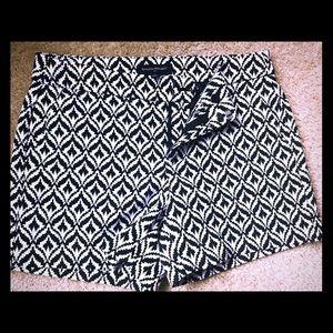 Banana Republic Black and White Pattern Shorts